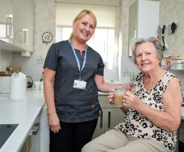 Carer supporting nutrition